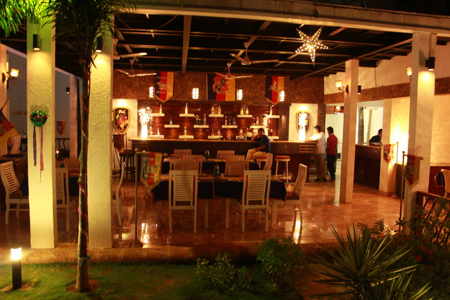 Paparazzi Resort Goa Restaurant